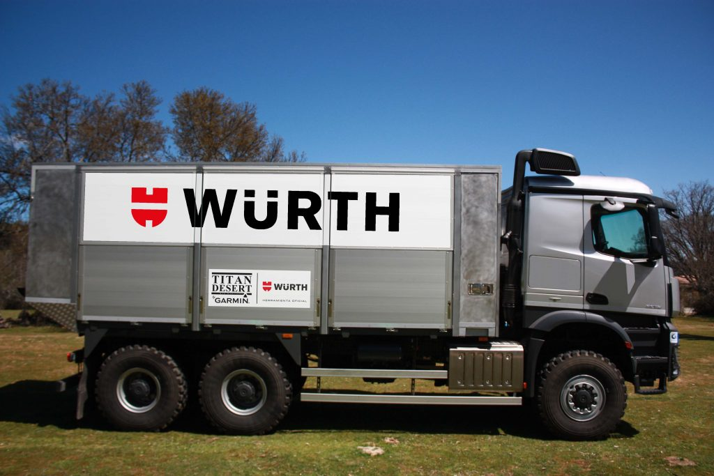 The 6x6 truck of Würth is equipped with over 100 products and tools.